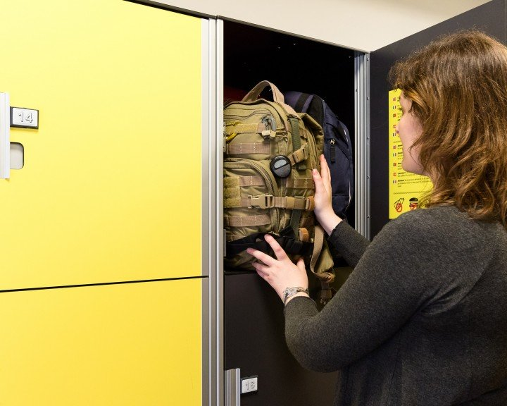 Stow your bags - Lockers | Barcelona | Carrer de Béjar 79 | Sants train station