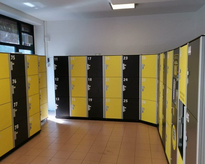 Stow your bags - Lockers | MILAN | VIA PERGOLESI | RAILWAY STATION